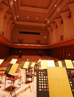 ステージ側から見た客席スペース(風のホール)