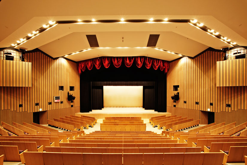(公財) 三鷹市スポーツと文化財団 三鷹市公会堂 光のホール