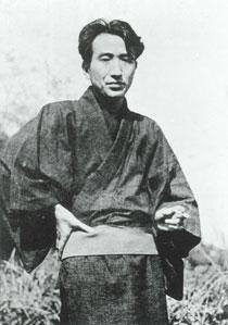 太宰治 写真提供 公益財団法人日本近代文学館