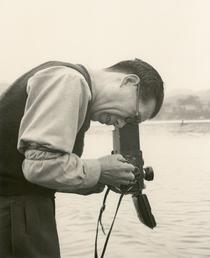撮影中の塩谷定好(1950年代)