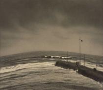 《天気予報のある風景》 1931年 ゼラチン・シルバー・プリント 25.2×28.7 cm 鳥取県立博物館蔵